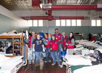 Lowe's Volunteers at Heading Home